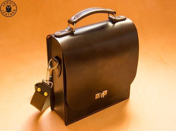 Leather Messenger Bag (Chocolate)