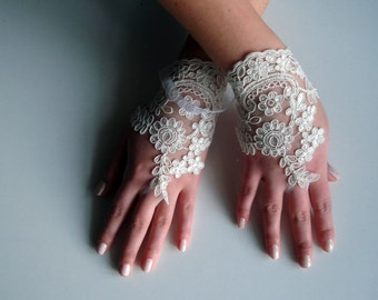 Ivory Lace fingerless gloves, Floral Wedding Gloves, french lace gloves, ivory glove,