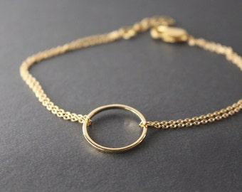 Open Circle bracelet // minimal