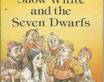 VINTAGE LADYBIRD Book - Snow White and the Seven Dwarfs - 606D Well-Loved Tales Series, c. 1980 Hardcover / Illustrated Grade 3 Reading