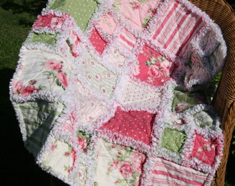 Rag quilt from the beautiful Tanya Whelan fabric collection 'Barefoot Roses' in colors of pinks and greens