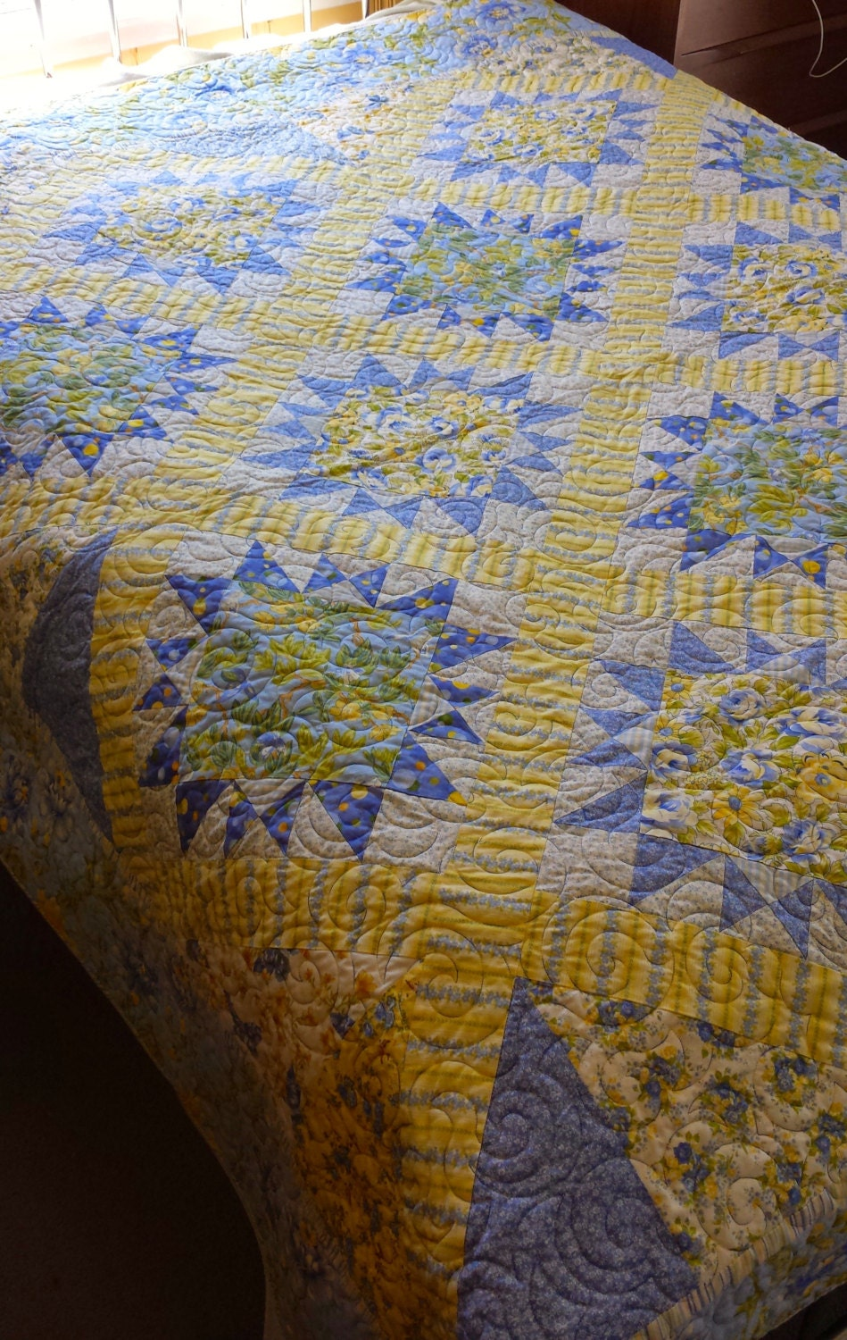Queen Size Blue And Yellow Floral Quilt Traditional Blue And