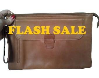 LANCEL PARIS vintage cloutch bag purse leather camel 1970