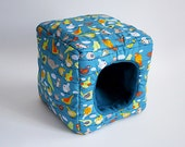 cosy cuddle cube for guinea pigs (birds on petrol blue/petrol blue)