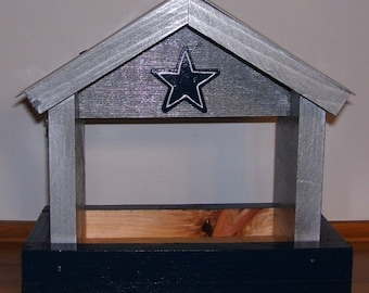 Dallas Cowboys License Plate Bird Feeder with a Emblem/Fathers Day, Sports, NFL, Birthday, Mothers Day, Christmas Gift, Football