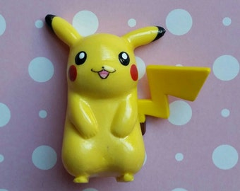 Kawaii Pikachu Flatback Cabochon /  1-Piece