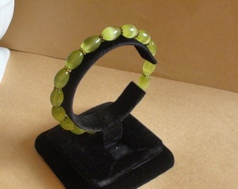 Cat's Eye green stretchy bracelet Womens jewelry Handmade bracelet