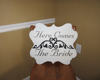 Here comes the bride wedding sign, with 3D look and a stylish contour