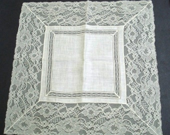 Fabulous Vintage Handkerchief Hanky Wide Lace