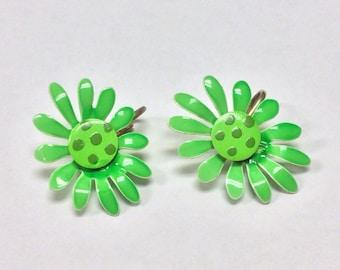 60's Green Daisy Enamal Clip on Earrings. Bright Green.