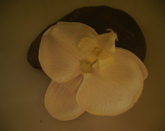 single white orchid hair clip