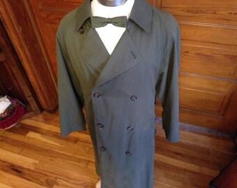 Men's Dark Green London Fog Long Raicoat/Topcoat w/removable liner Sz 38R (M)