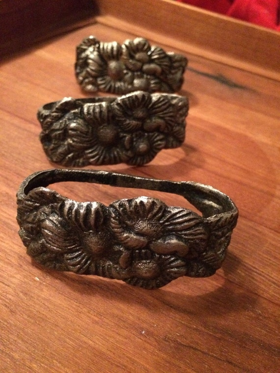 Vintage floral cast metal  napkin rings bergdorf early 1990's