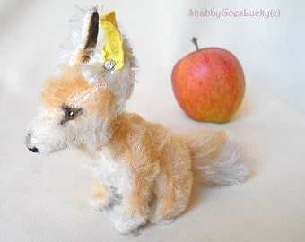 Steiff Desert Fox Xorry vintage 1957-1962 only, small sitting 5 inch mohair fox, Steiff button & label, glass eyes, rare old Steiff animal