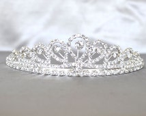 Wedding Tiara with Rhinestones and Veil, Bridal Tiara, Bachelorette Tiara, Birthday Party, Bride Crown