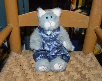 "1993 Ty Plush Kitty ""Whiskers"" in Blue Velveteen"
