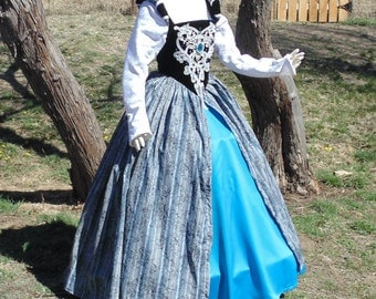 Size 6-8 Lady of the Manor full renaissance dress !