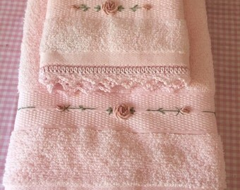 Pink hand towel and face washer set