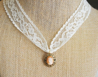 Simple Lace Cameo Necklace