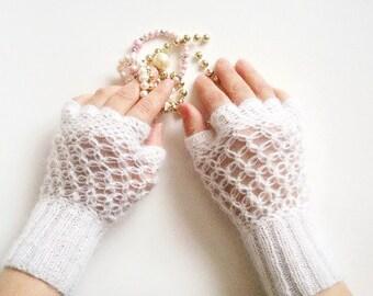Fingerless Gloves / Lace Fingerless Gloves / Wedding Bridal Gloves / Crochet Lace Gloves