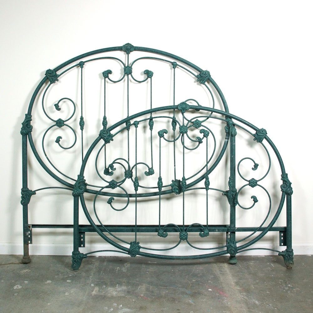 Vintage Iron Headboard Amp Footboard Full Size Cast Iron Bed