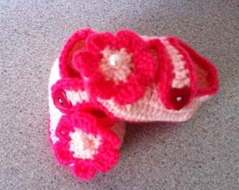 Crochet Baby Booties, Shoes, Newborn Girl Baby Booties, Boots for Baby Crochet Pink Baby Booties with Flower.
