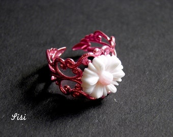 Ring pink daisy flower print