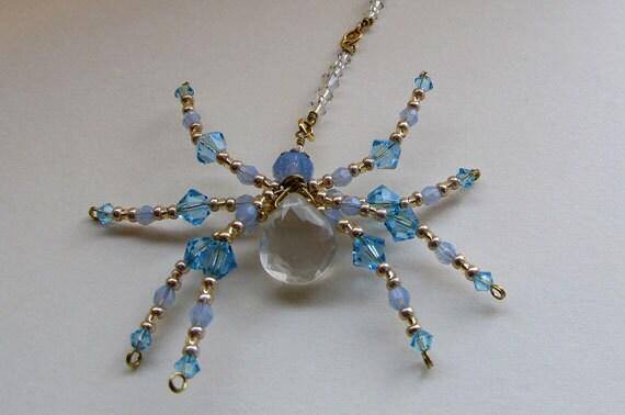 Prasiolite Briolette Spider Sun Catcher, cristaux & doux Blues-ornement de perles araignée