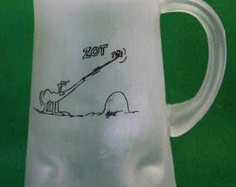 VIntage  BC Comic  ice  age  anteater pinched frosted glass Pitcher