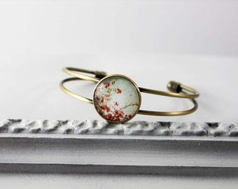 Bangle bracelet with cherry blossoms, turquoise pink fuchsia red, shabby nostalgic version in bronze with glass stone, Japan Hipster