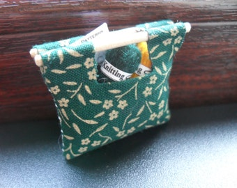 Miniature knitting/sewing bag - with contents