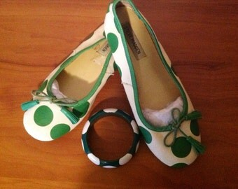 Steve Madden White/Green Polkadot Shoes