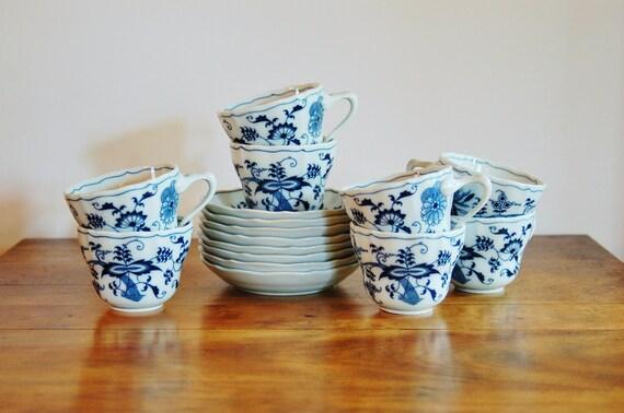 Blu danubio blu cipolla tazze piattini set di cobblestonesvintage