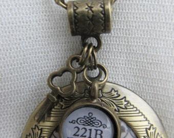 Sherlock Holmes Wallpaper Bronze locket Necklace
