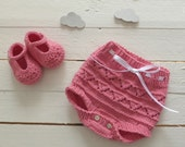knit baby diaper cover + booties
