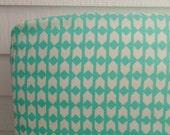 Mint arrow crib sheet cotton + steel