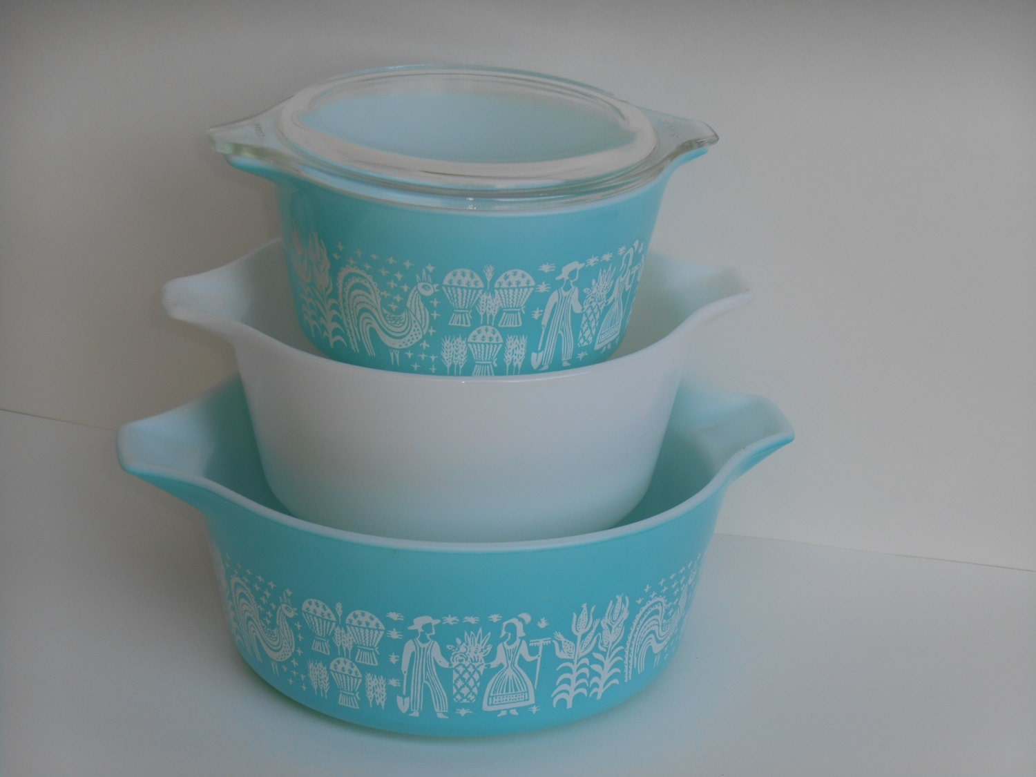 pyrex amish butterprint in turquoise set of 3 cinderella tab. Black Bedroom Furniture Sets. Home Design Ideas