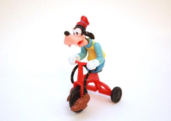 Vintage 70s Goofy Tricycle Disney Plastic Figure Toy