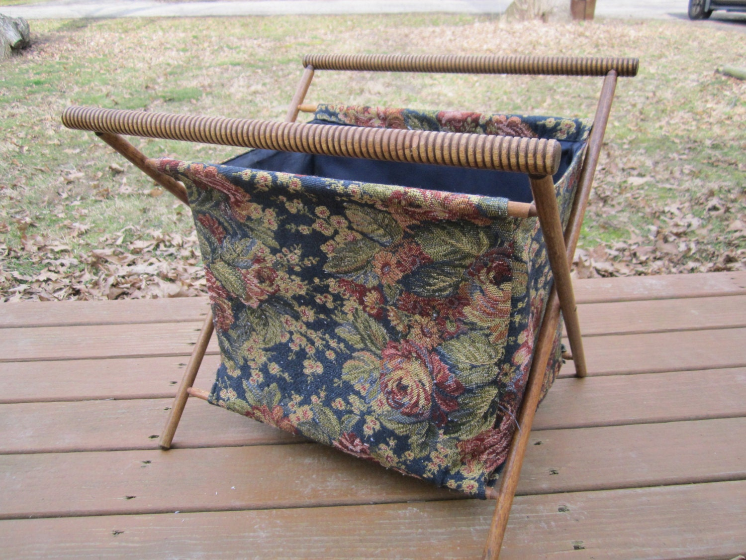 Knitting Bag Stand : Knitting bag with stand vintage yarn caddy
