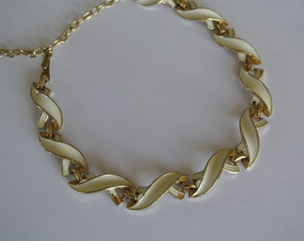 1960s Vintage Estate Jewelry Necklace Gold Tone and Ivory Cream Enamel Swirls