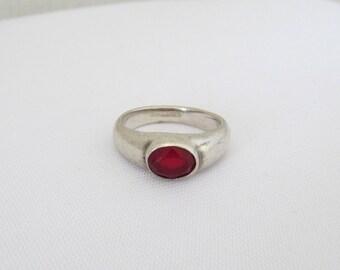Vintage Sterling Silver Garnet Bold Ring Size 8
