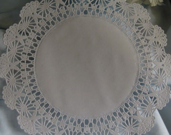 """12"""" inch White Filigree LACE Scrolls Paper  Doily 25 Pcs Round Weddings Events  decorations Platters"""