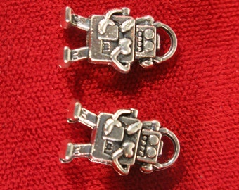 "8pc ""robot"" charms in antique silver style (BC425)"
