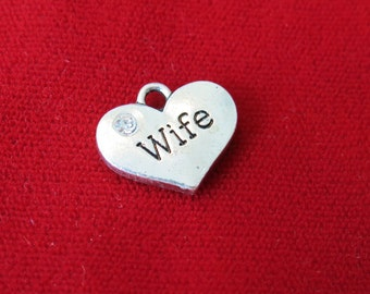 "5pc ""Wife"" charms in antique silver style (BC648)"