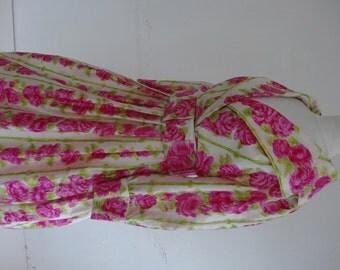 50's Dress. Mischievous Roses.