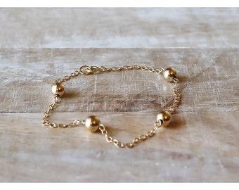 Gold bracelet, 14K gold filled bracelet, dainty gold bracelet, gold jewelry, 6mm beads bracelet, gold filled bracelet,  Beaucoup de Beads