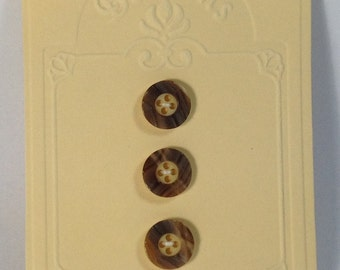 3 Button vintage 15 mm 4 holes beige and brown.