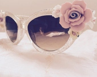 Cateye sunglasses with roses