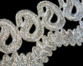 Silver Embroidered Paisley Loop Cutwork Trim