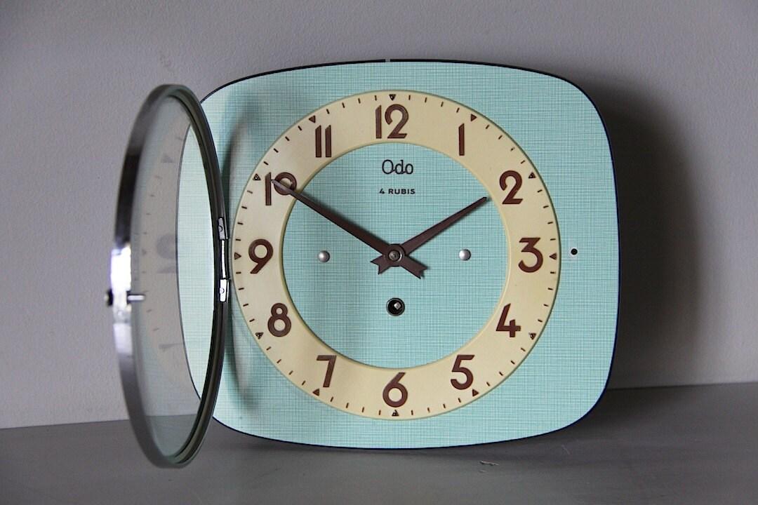 Horloge murale fran ais vintage formica vert mi r tro du for Horloge murale retro